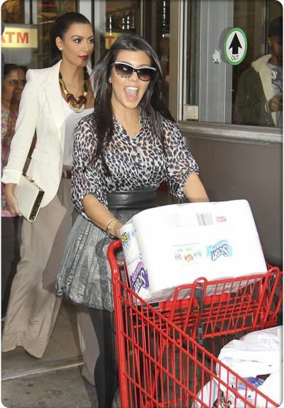 Kardashian-Couponing-Kourtney-Kim