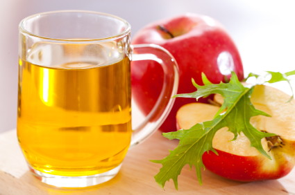 The Secret Beauty Benefits Of Apple Cider Vinegar The Krazy - Secret benefits drinking apple juice