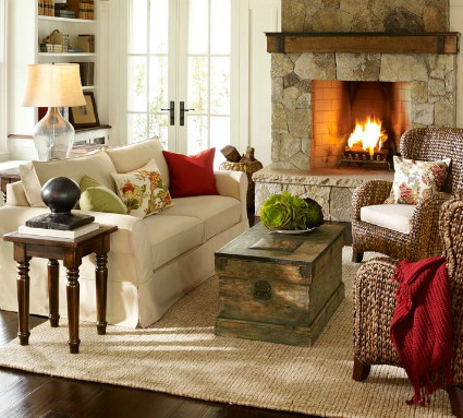 Pottery Barn Is The Go To Retailer For Casual Stylish Room Designs And This Living Room Is No Exception It Features Their Popular Slipcovered Sofa