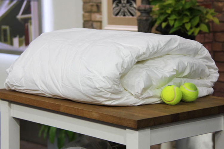 comforter tennis balls. 28 Surprising Things You Never Thought About Cleaning   The Krazy