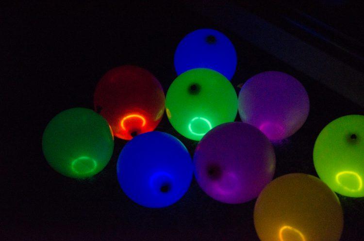 glow-balloons