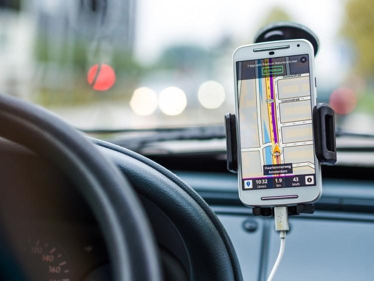 Become an evening or weekend Lyft driver.