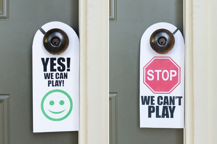 Let neighborhood friends know when your kids are free to play with a door sign.