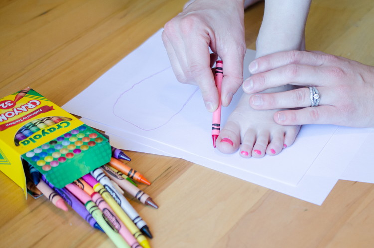 Shop for children's shoes easily by tracing your child's foot.