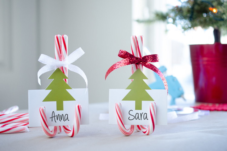 use candy canes as place card holders