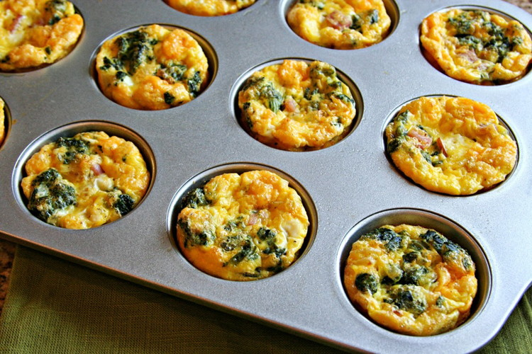 Make omelet muffins for easy breakfast on-the-go.