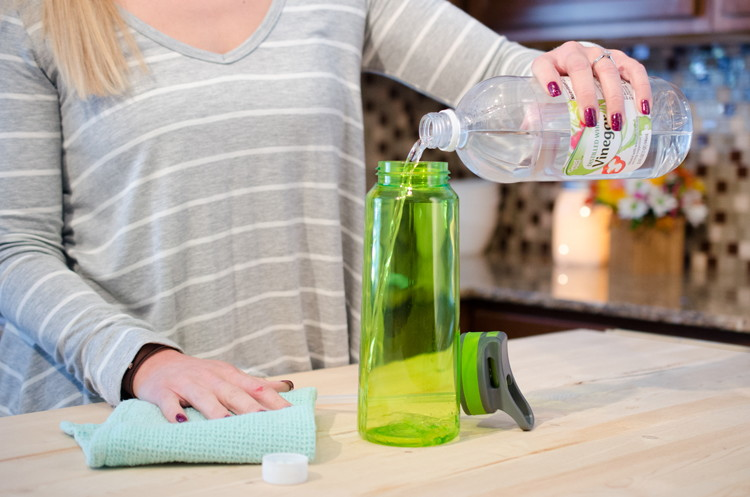 How to Clean the Mold & Funk Out of Water Bottles - The