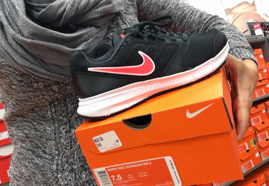 4c807ba64c8f2 Nike  60 Shoes