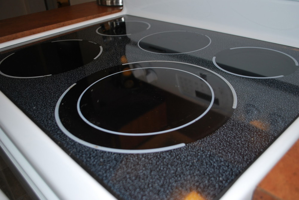 13 Easy Ways To Clean Your Gl Cooktop That Actually Work