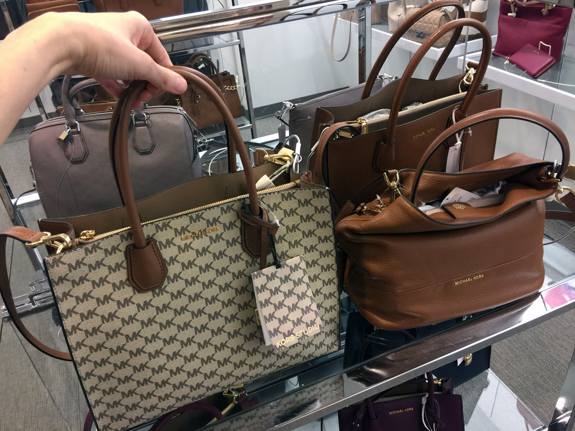 Michael Kors Handbags As Low 66 36 At Macy S Up To 65 Savings The Krazy Lady