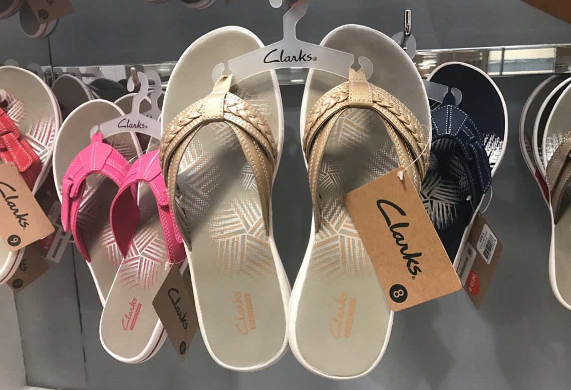 clarks flip flops macy's