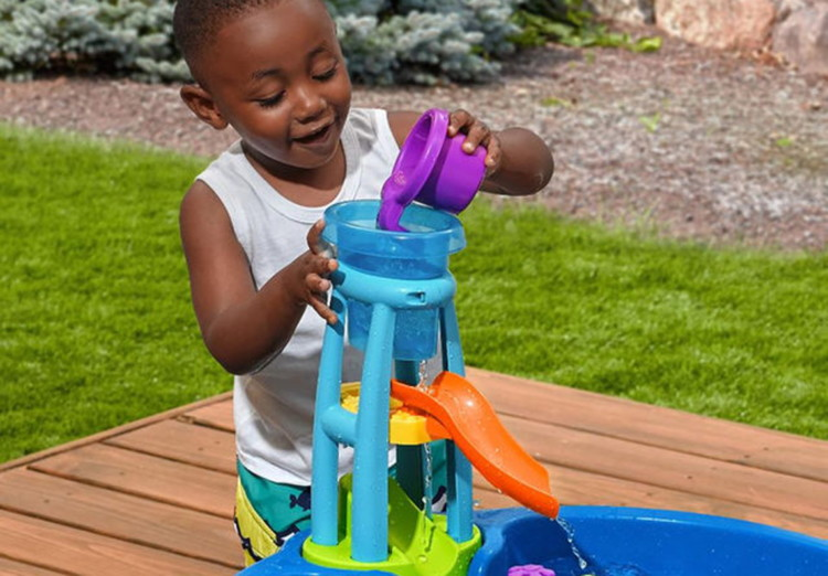 Step2 Disney Finding Dory Whirlin Waves Water Table Only