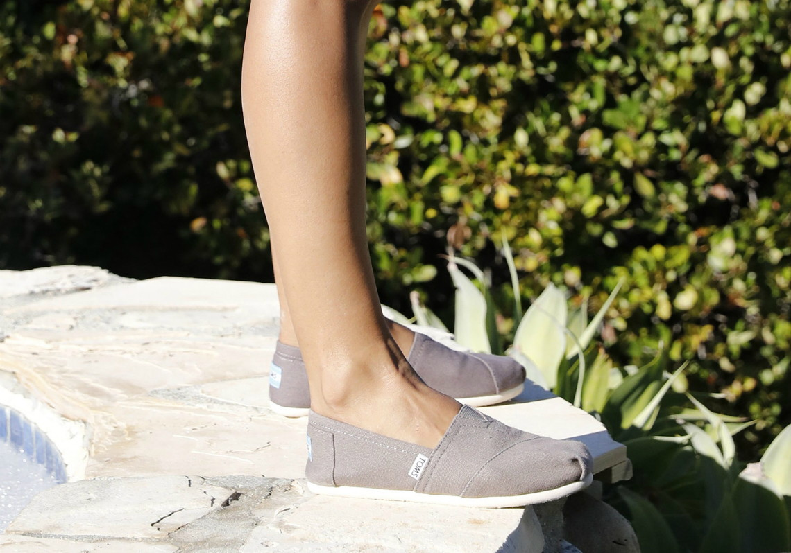 e18de5e3107 Save on TOMS Shoes + Extra  10 Off! - The Krazy Coupon Lady