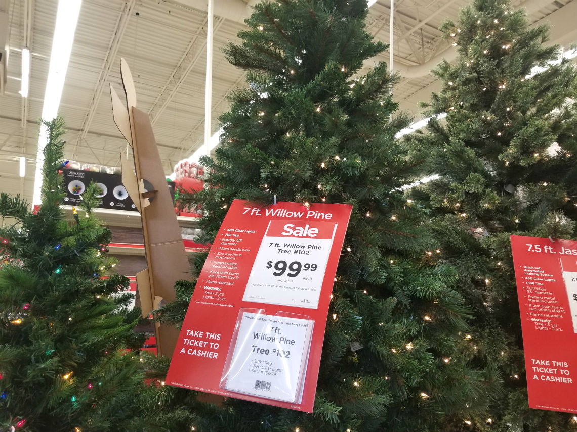 Michaels Christmas Trees.Pre Lit Christmas Trees As Low As 40 Shipped At Michaels