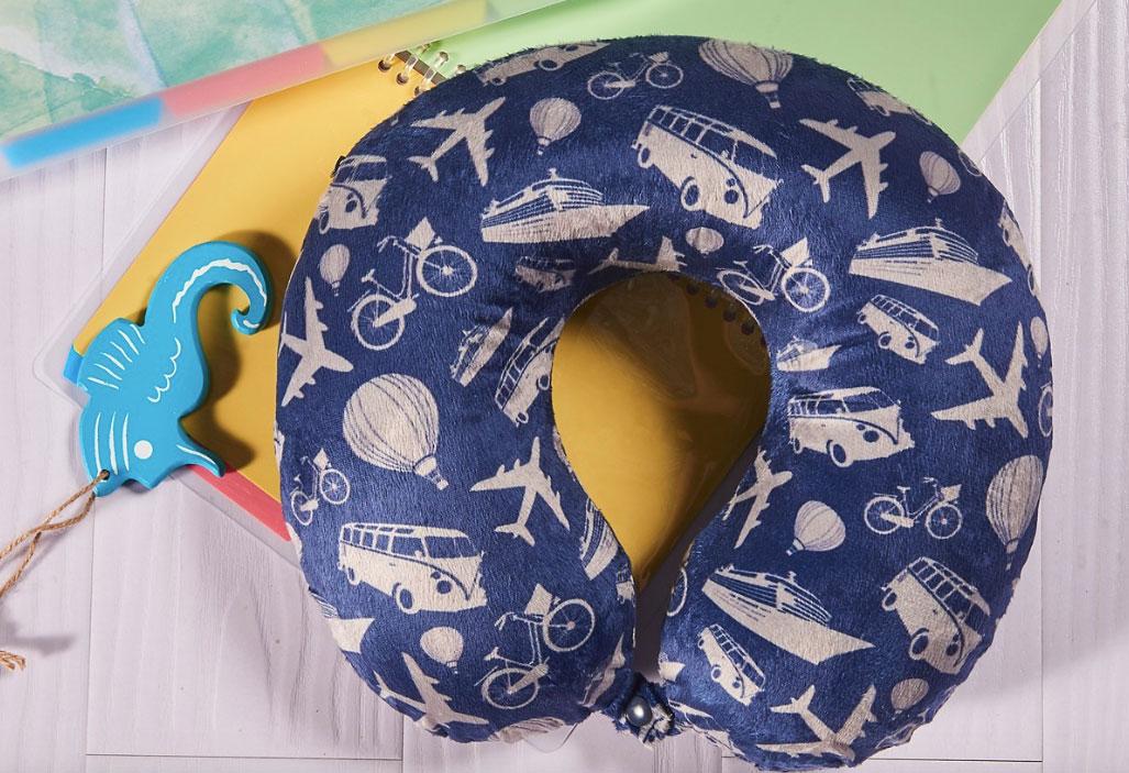 macys-bon-voyage-pillow-set-31819a